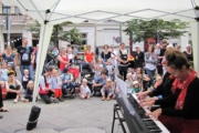 Klavieriki Clowns live auf dem Flora-Kiezfest 2017 in Berlin Pankow.